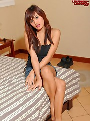 Cute teen ladyboy!