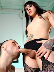 Big cocked Kayden mouth & assfucking a guy