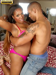 Black tranny fucked with white cock